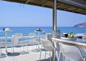 beachbar-wedding-style-artemis-hotel-milos-suites-1