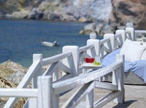 beachbar-wedding-style-artemis-hotel-milos-suites-3
