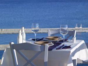 taverna-wedding-style-artemis-hotel-milos-suites-3