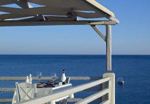 taverna-wedding-style-artemis-hotel-milos-suites-4
